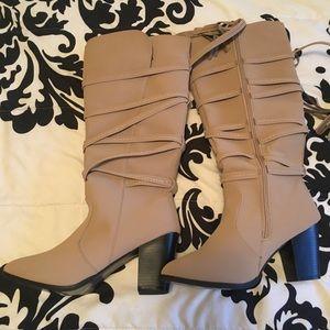 Rue 21 boots never worn